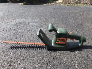 Photo Black and Decker Hedge Trimmers