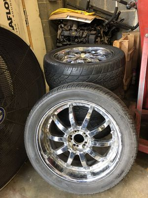 Rim 20 with tires for Sale in Silver Spring, MD