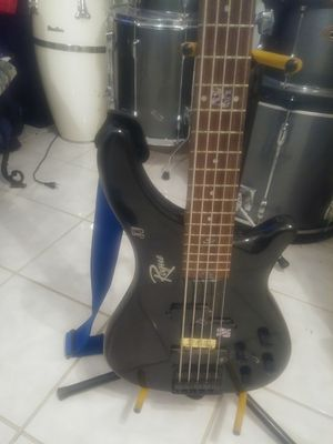 Rogue Electric 5 String Bass Guitar for Sale in DeBary, FL