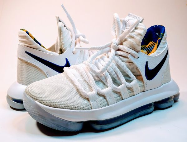 size 40 db77b 09beb NIKE Zoom KD10 Limited NBA White/Game ROYAL-UNIVERSITY Golden State  Warriors Youth Size 3.5 for Sale in Pasco, WA - OfferUp