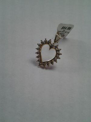 BEAUTIFUL CHARM HEART for Sale in Orlando, FL