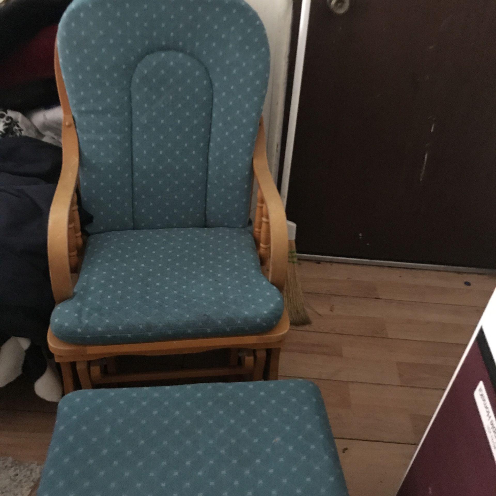 R, Chair