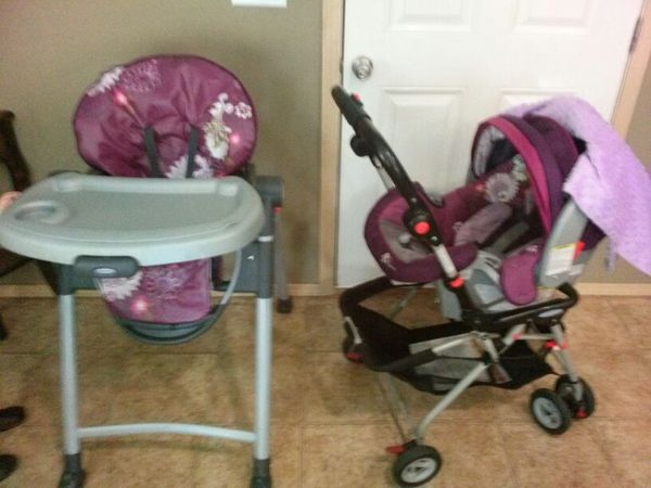 Graco Disney Minnie Mouse High Chair And Car Seat For In Vancouver Wa Offerup