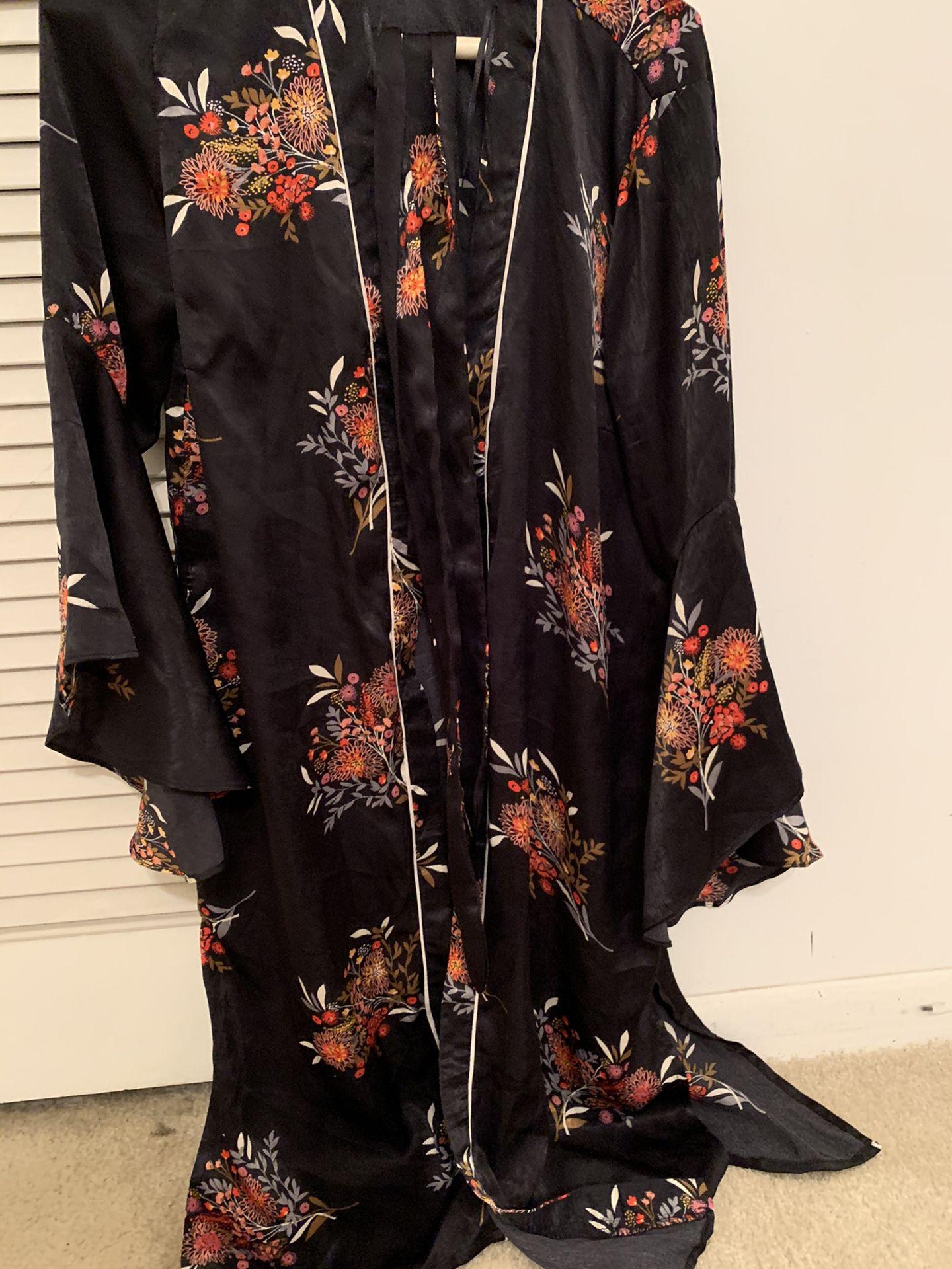 Brand new size 4 night wear