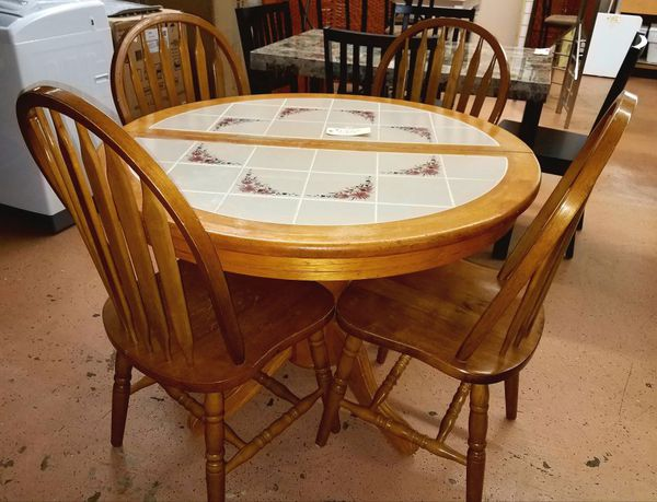 Country Style Tile Top Kitchen Dining Table Set w/ Butterfly Leaf for Sale  in Burlington, NJ - OfferUp