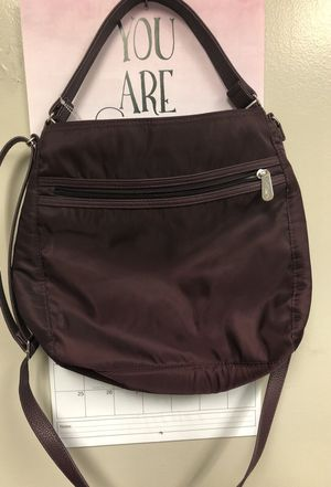 Thirty one purse color plum for Sale in Inwood, WV
