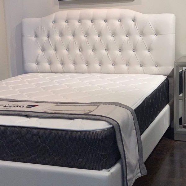 Queen Diamonds 💎 Tuffted White Leather Bed And Plush Mattress (SE HABLA ESPAÑOL) FREE DELIVERY!!