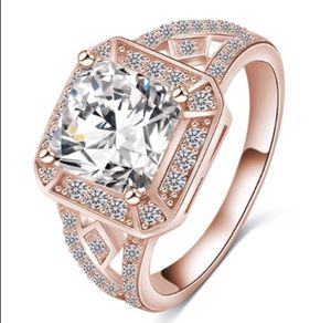 New 18 k rose gold Engagement ring wedding ring set for Sale in Orlando, FL