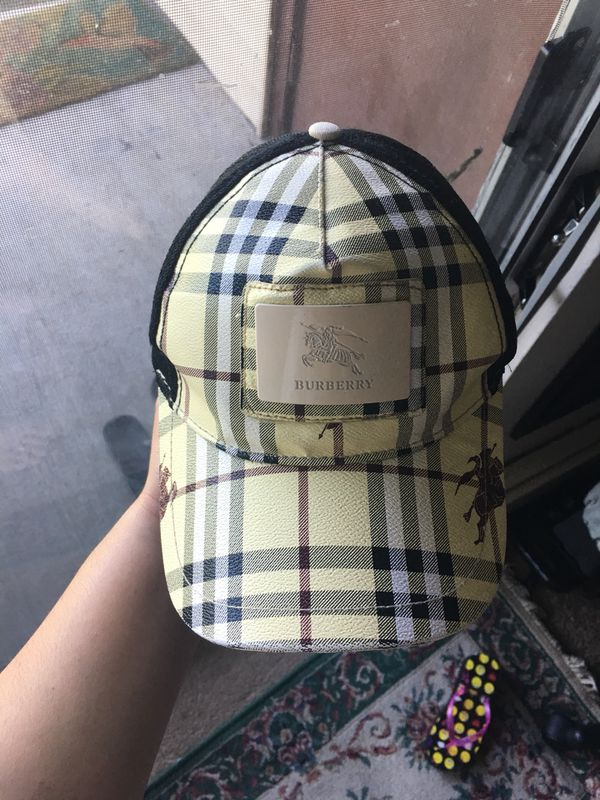 Burberry hat for Sale in Willow Springs 86b8f7b71