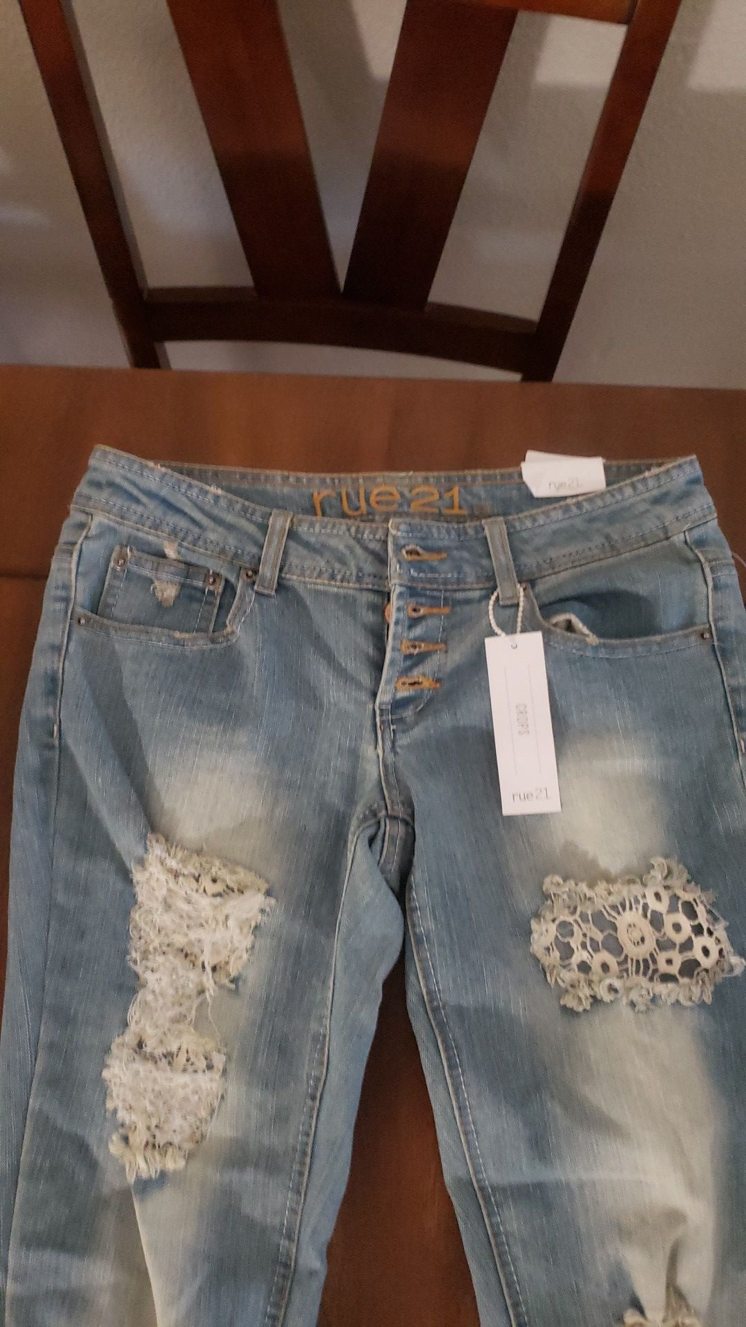 New rue 21 cropped jeans. Size 1 / 2