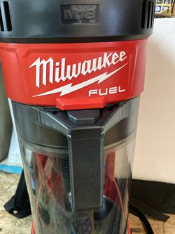 Milwaukee M18 FUEL 18-Volt Lithium-Ion Brushless 1 Gal. Cordless 3-in-1 Backpack Vacuum (Tool-Only) Thumbnail