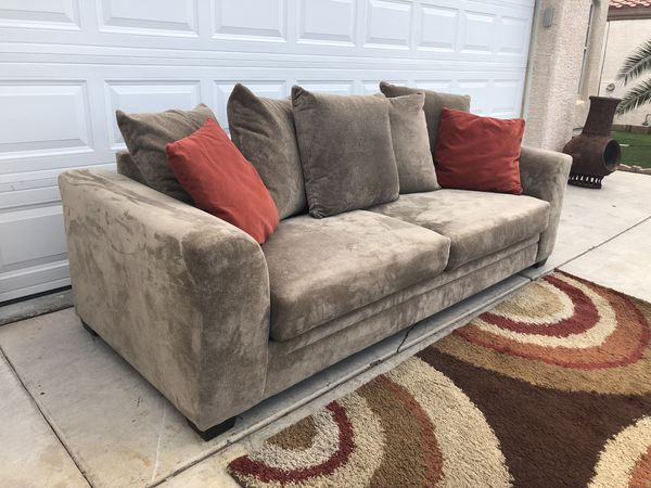 Like New Beautiful Ashley Furniture Long Sofa Excellent Conditions Free Delivery In North Las Vegas Nv Offerup