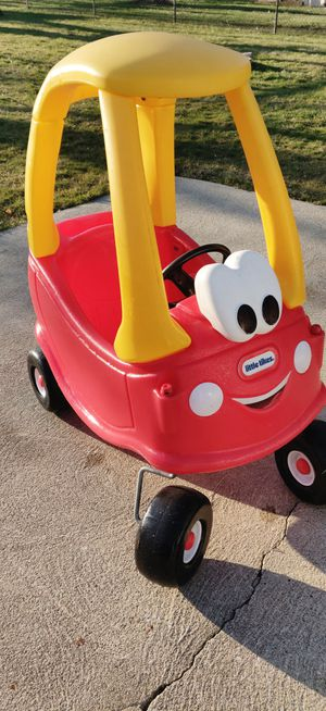 Photo Little Tikes Cozy Coupe Car