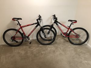 His and hers Giant mountain bikes. Great condition. for Sale in Manassas, VA