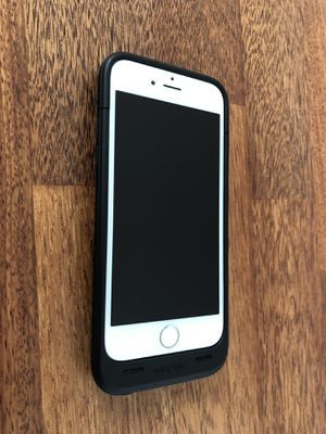 iPhone 6 16GB Gold w/ Mophie Case for Sale in Seattle, WA
