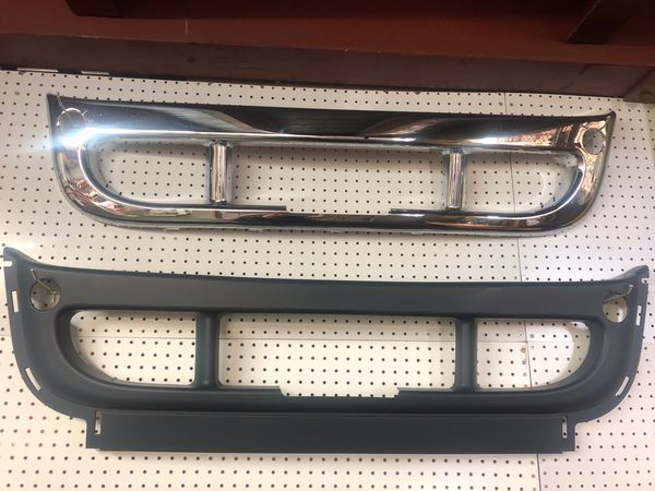 Cascadia Center Bumper Outer Chrome/Outer Paint for Sale in San Leandro, CA  - OfferUp