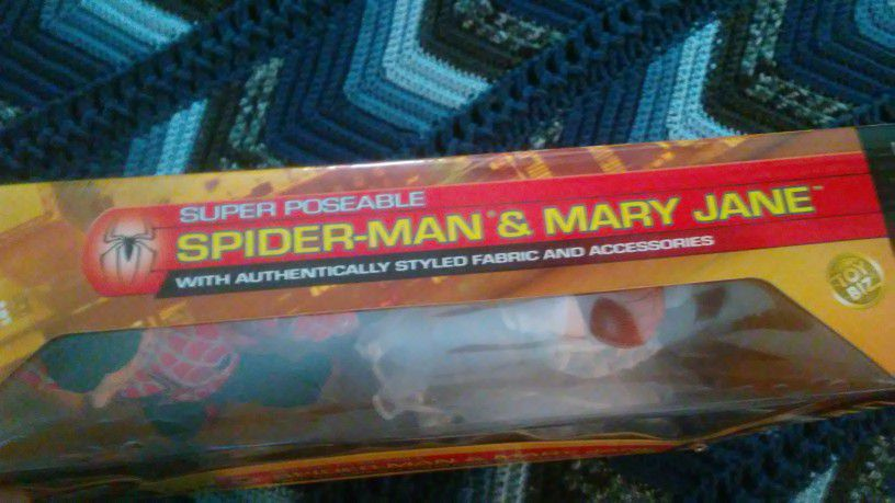 Spiderman and Mary Jane doll
