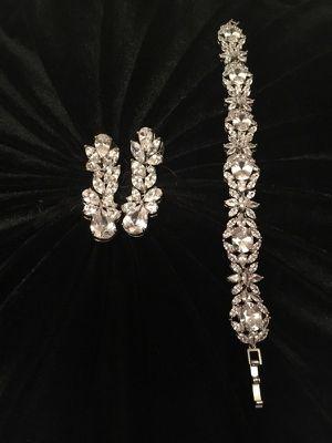 Elegant Swarovski Crystal earrings and matching bracelet for Sale in Los Angeles, CA