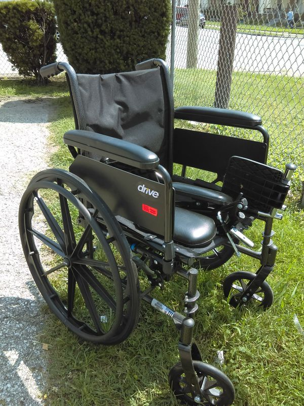 Wheelchair and walker for Sale in Louisville, KY - OfferUp