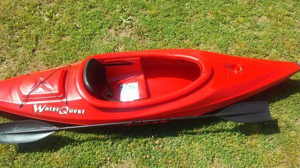Kayak 10 foot water quest for Sale in Kansas City, KS - OfferUp