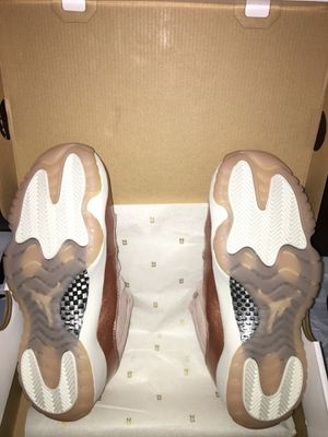 f91069cf5529b9 Women Jordan 11 Retro XI Rose Gold Size 8.5 for Sale in Schaumburg ...