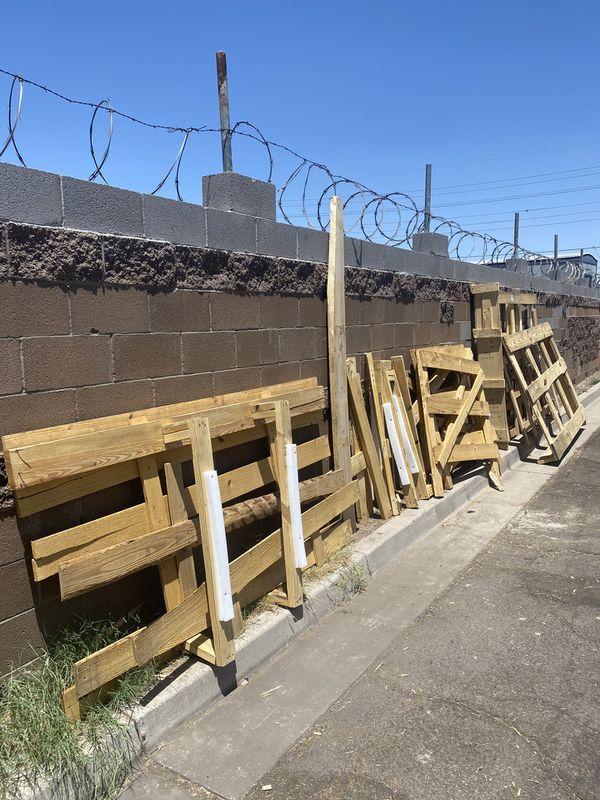 Free pallet / wood for Sale in Phoenix, AZ - OfferUp