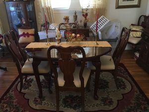 Dining Table With A Leaf Extender For Sale In New Orleans LA