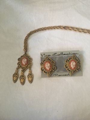 Cameo flower necklace & earrings for Sale in MONTGOMRY VLG, MD