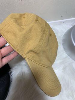Never worn hat Thumbnail