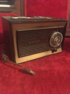 Sylvania Antique Transistor Radio for Sale in Waterford Township, MI