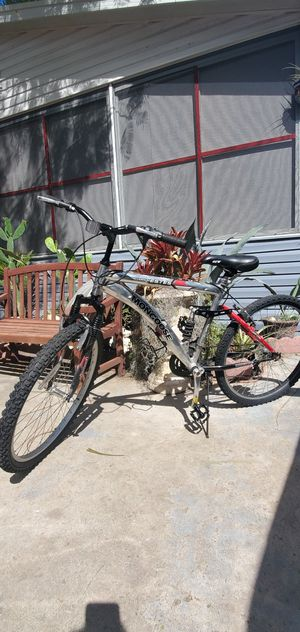 Photo 26 inch mens mongoose mountain bike adjustable suspension...LOCATED ON KROME AND SW 200ST