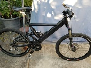 Photo XPlanet full suspension mountain bike, Many quality upgraded parts.