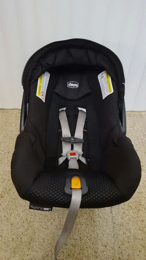 Chico Keyfit 30 Zip Infant Carseat For Sale In Sacramento CA