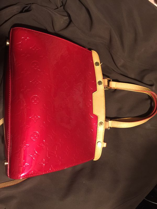 afc1d69edc04 Louis Vuitton Rose Pop Monogram Vernis Brea MM Bag for Sale in Tulsa ...