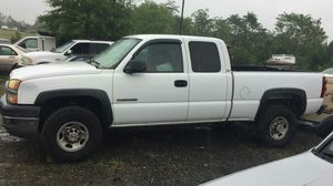 2004 Chevy Silverado 2500HD 200k Hwy miles Runs and drives!!! for Sale in Hillcrest Heights, MD