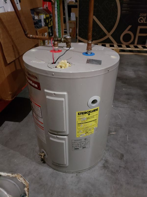 30 Gallon Electric Water Heater Like New Works Perfectly Model