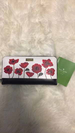 NWT Kate Spade Floral Wallet for Sale in Troy, MI