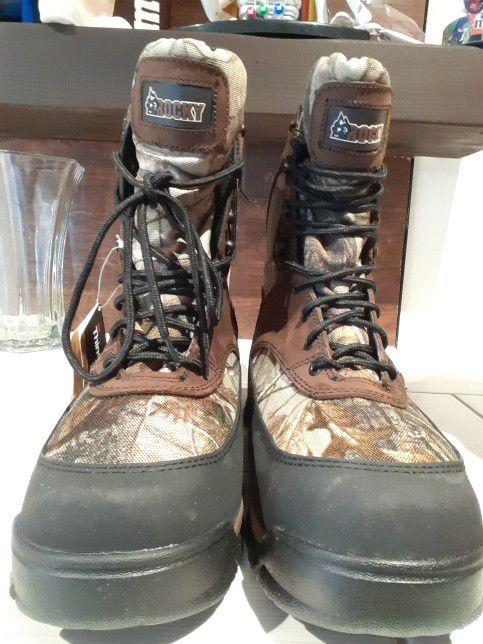 Botas rocky Men Waterproof Camo Size 10$60