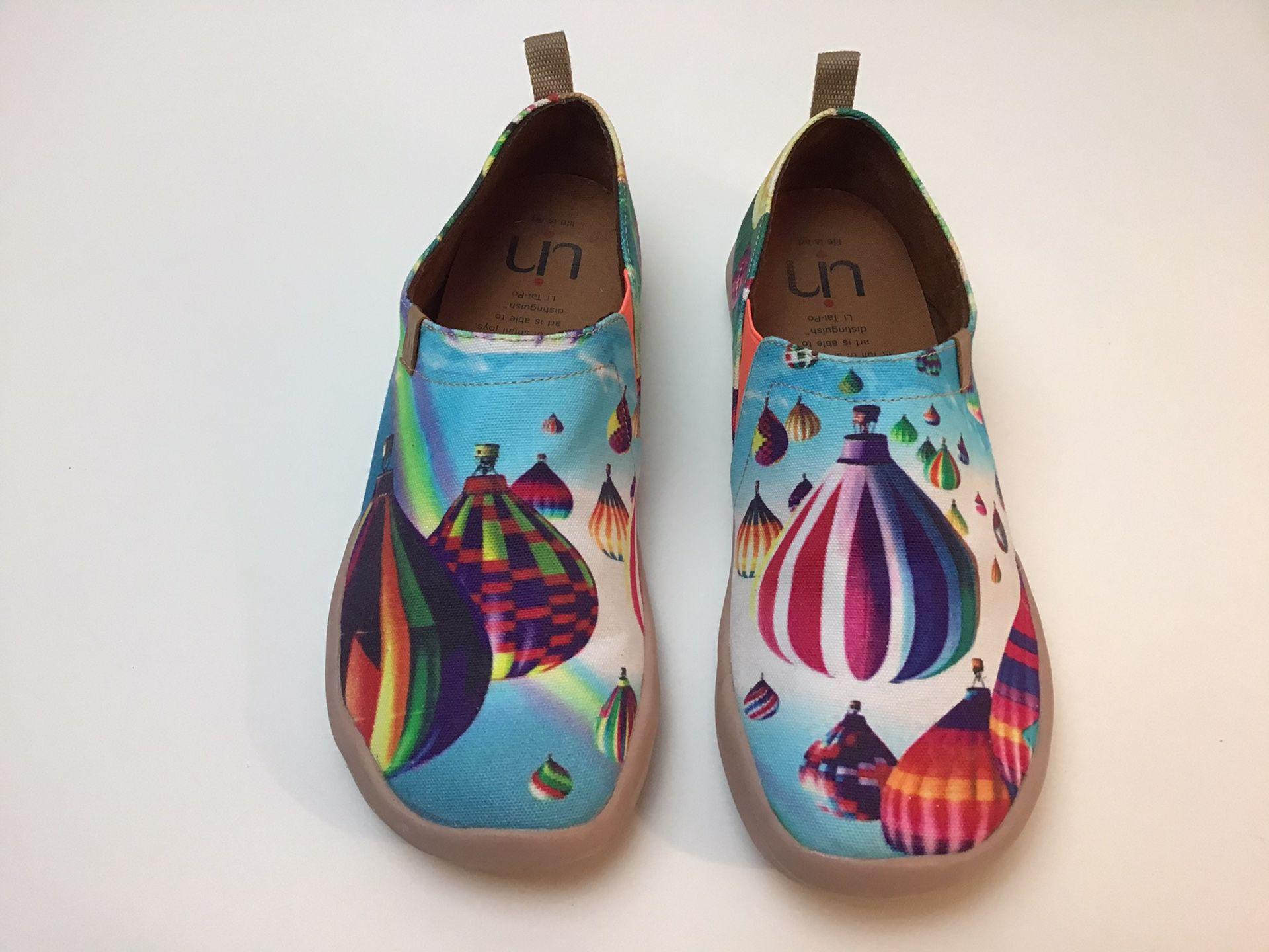 UN Art shoes hot air balloons women's 9