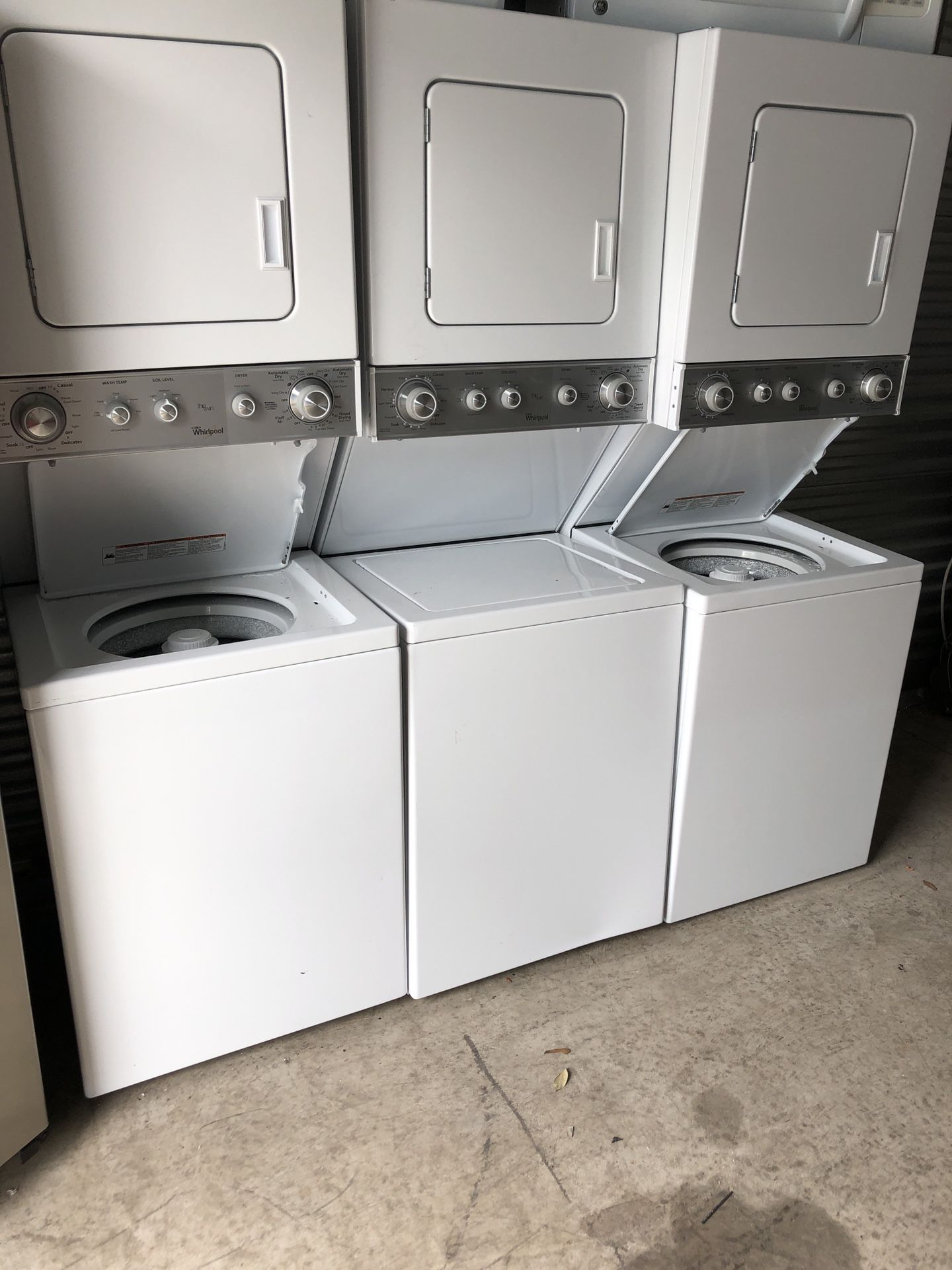 Stackable washer dryers apartment size