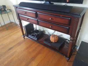 Gorgeous mahogany console table/TV stand/entrance table for Sale in Baltimore, MD