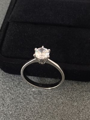 BRAND NEW|SIZE 7| Solitaire Cut 1 Carat CZ DIAMOND|14K WHITE GOLD PLATED|COLOR CLEAR|GIFT BOX for Sale in Cleveland, OH
