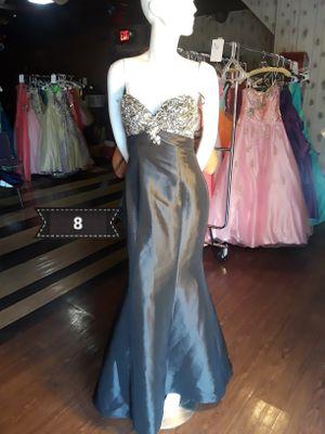 Long Dress size 8 for Sale in Detroit, MI