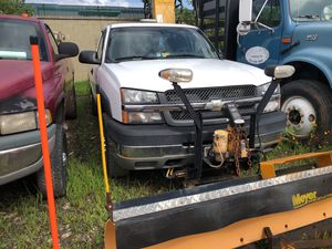 2004 Chevy 2500 w/ snow plow no spreader for Sale in Manassas, VA
