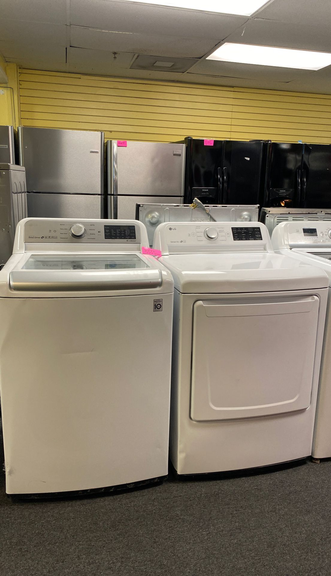 New scratch and dents set washers and dryer excellent condition