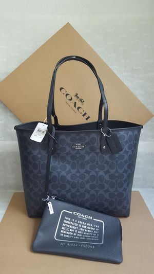 Beautiful Reversible Coach Bag With Extra Pouch For In Miami Fl
