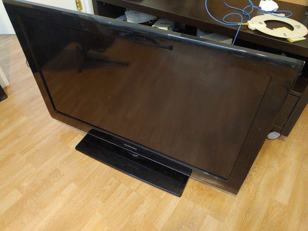 40 in. Samsung LCD TV