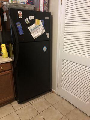 Frigidaire refrigerator fridge for Sale in Alexandria, VA