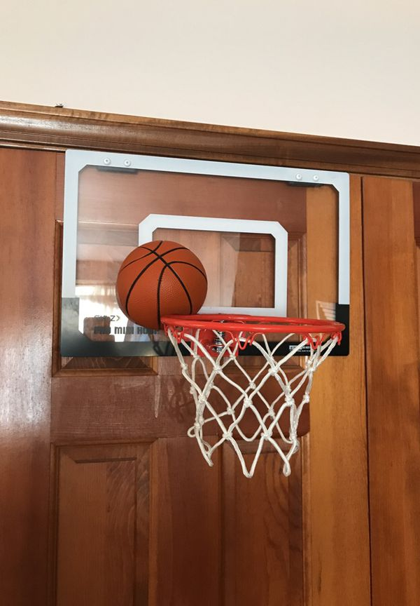 Door basketball hoop and ball for Sale in Pataskala, OH - OfferUp