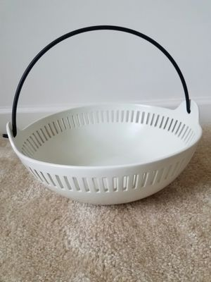 New cut out stoneware bowl Target brand - $15 not negotiable for Sale in Rockville, MD